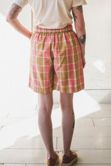 BRIDGE SHORTS IN PINK STORY CHECK