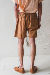 EASY SHORTS IN BARK BROWN
