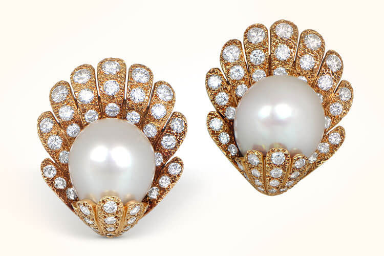 VCA Pearl Earrings