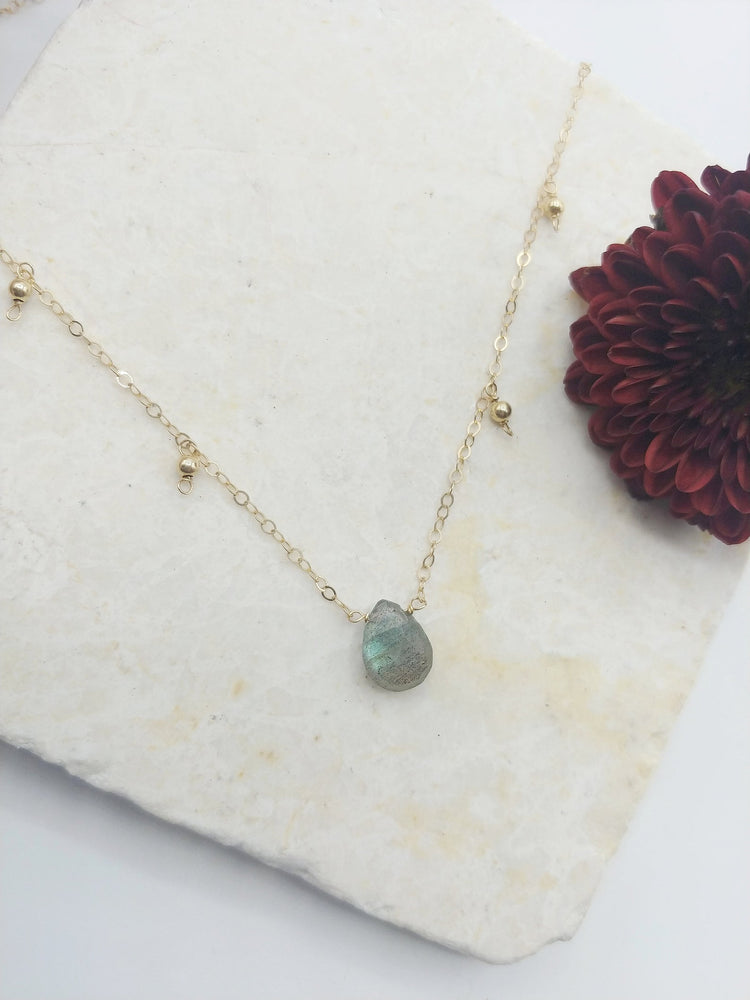 Load image into Gallery viewer, Dainty Labradorite Gemstone Necklace