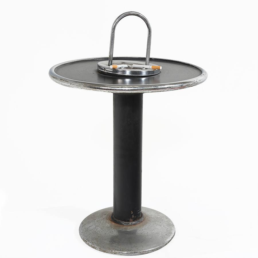 Round Ashtray with Table