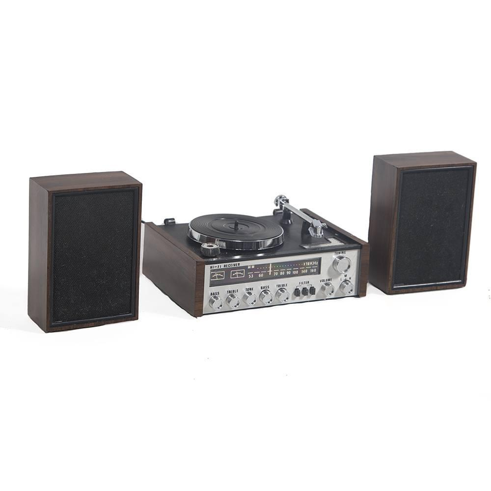 Stereo Set with Turntable and Speakers