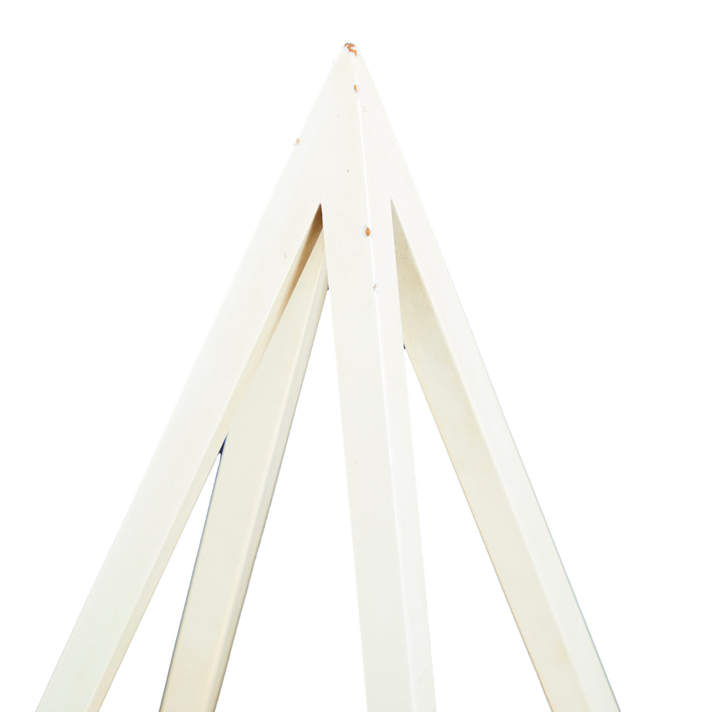 White Rhomboid Table Lamp