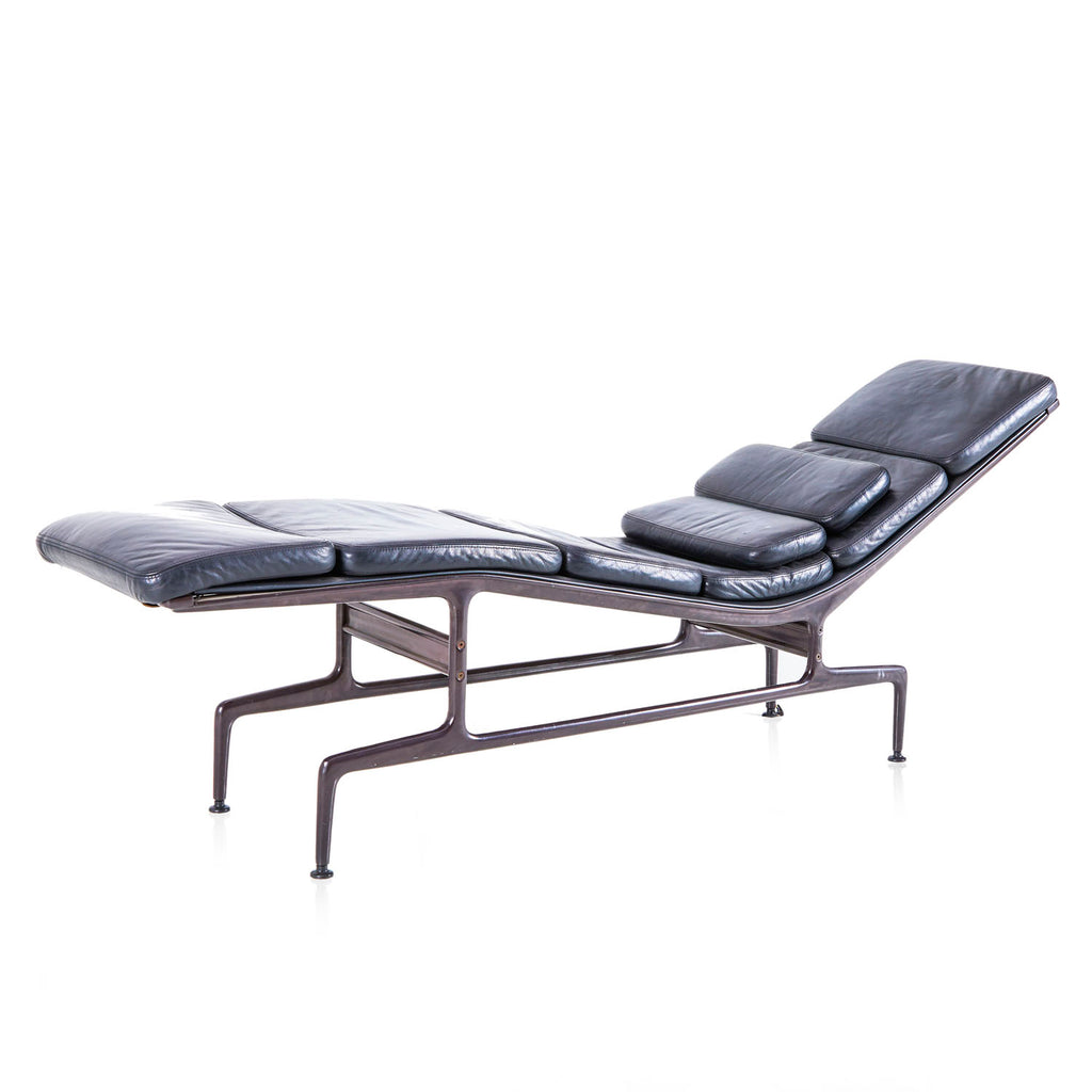 Black Padded Chaise