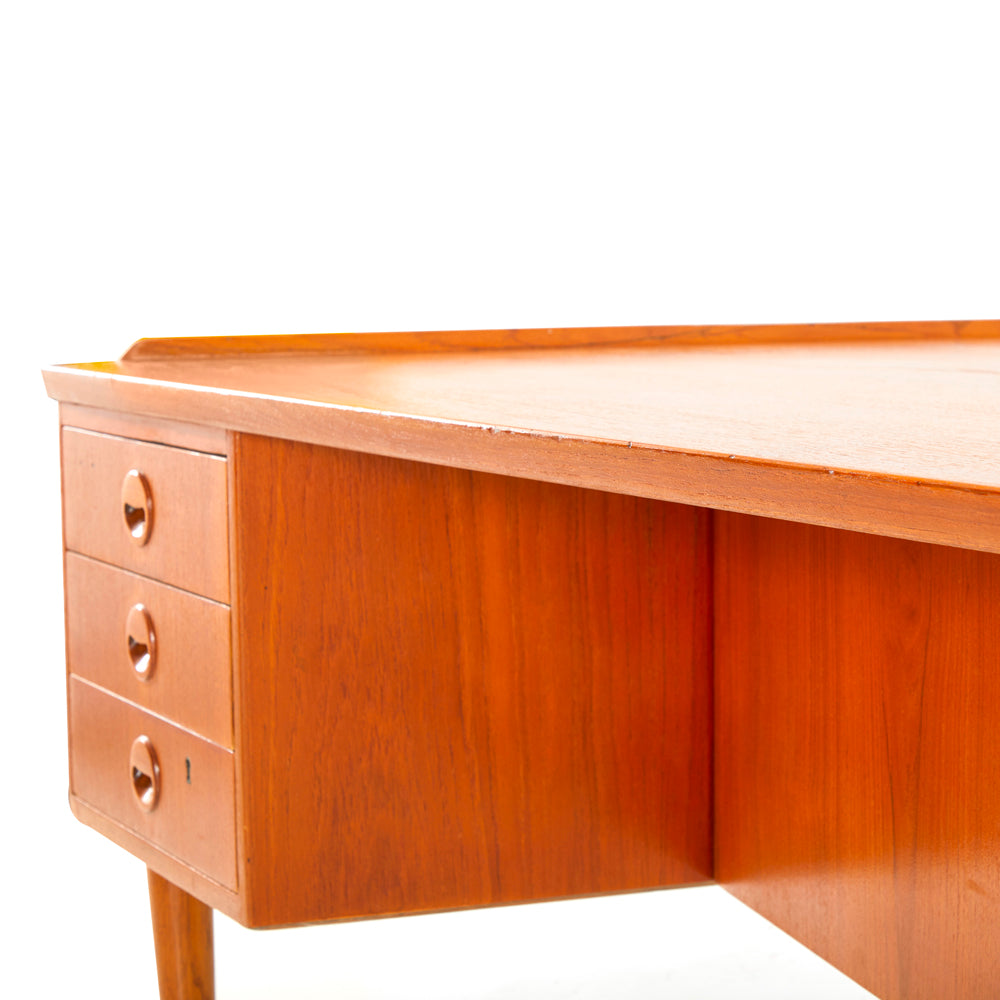 L-shape Wood Desk