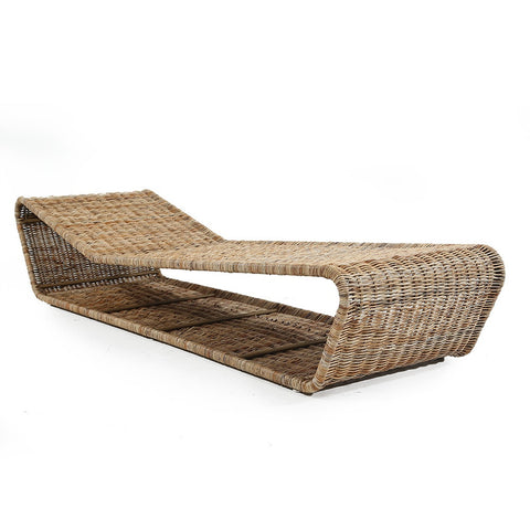 Simple Wicker Chaise
