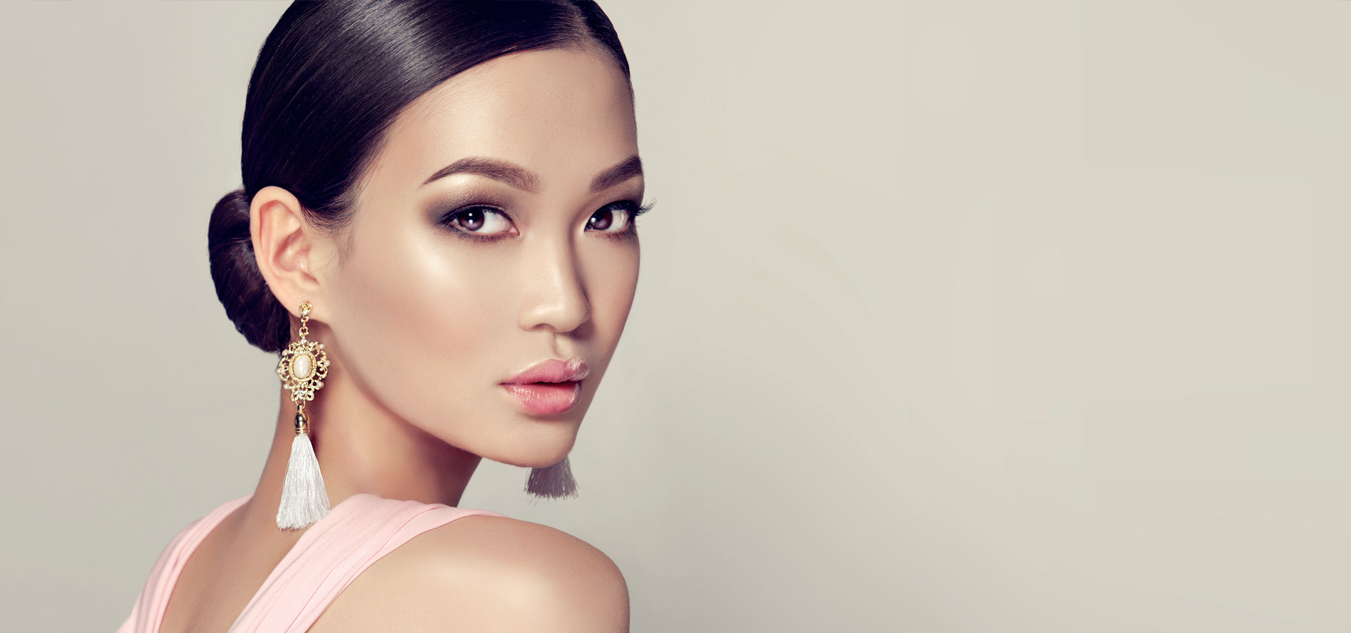 We are Number One for makeup training in Australia! With 3 locations ( Melbourne, Sydney & Brisbane), CONTACT US TODAY for information to enroll in our ...