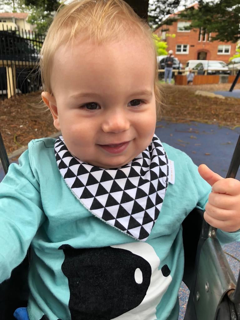 MONOCHROME TRIANGLE Bib