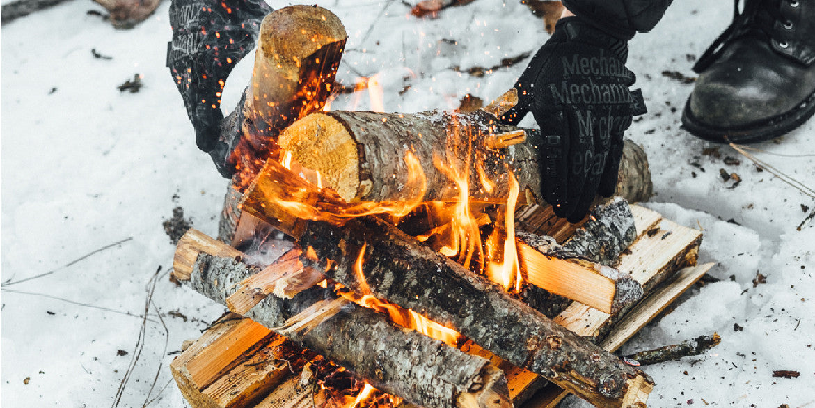 How_To_Make_A_Fire_In_The_Snow_Blog_Post-Featured-03_733x500_2x.jpg?v=1491256476