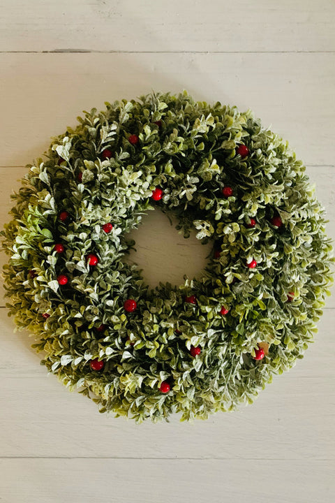 Boxwood Bry Frosted Wreath 16""