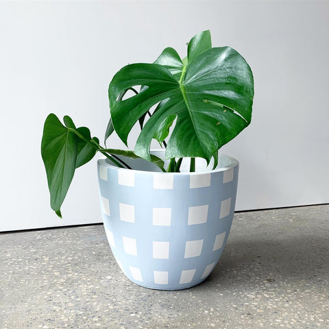 CRISS CROSS POT - POWDER BLUE