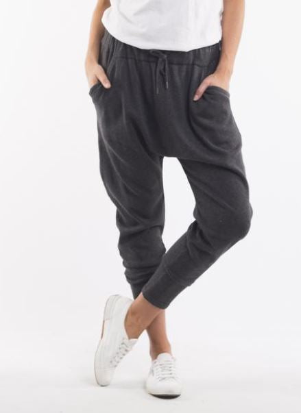 ELM- GET AWAY KNIT PANT