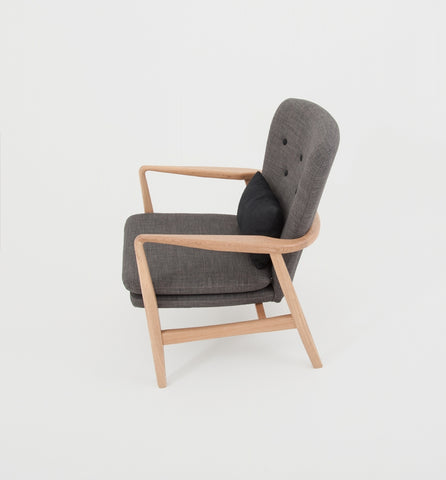 MAX ARMCHAIR - GREY/BLACK BUTTONS