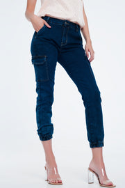 Jeans in Navy With Cargo Pockets