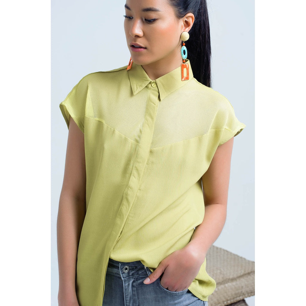 yellow shirt with jeans