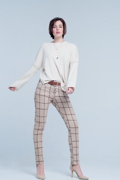 Buy Beige and brown scottish checkered jeans of comfortable cotton with a little stretch. The boyfriend style pants has five functional pockets and can be closed by four buttons available in different sizes. Free Shipping on orders over 50$.