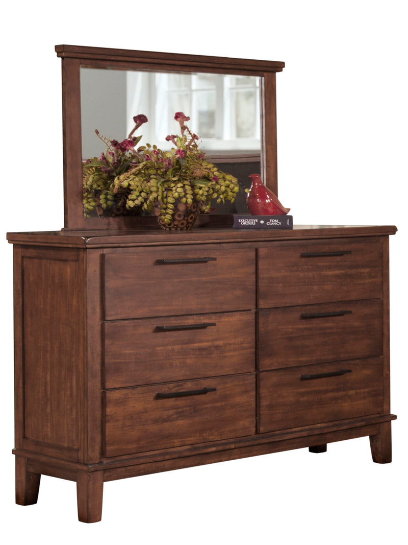 New Classic Cagney 4PC Bedroom Set Queen Bed Dresser Mirror One Nightstand in Chestnut