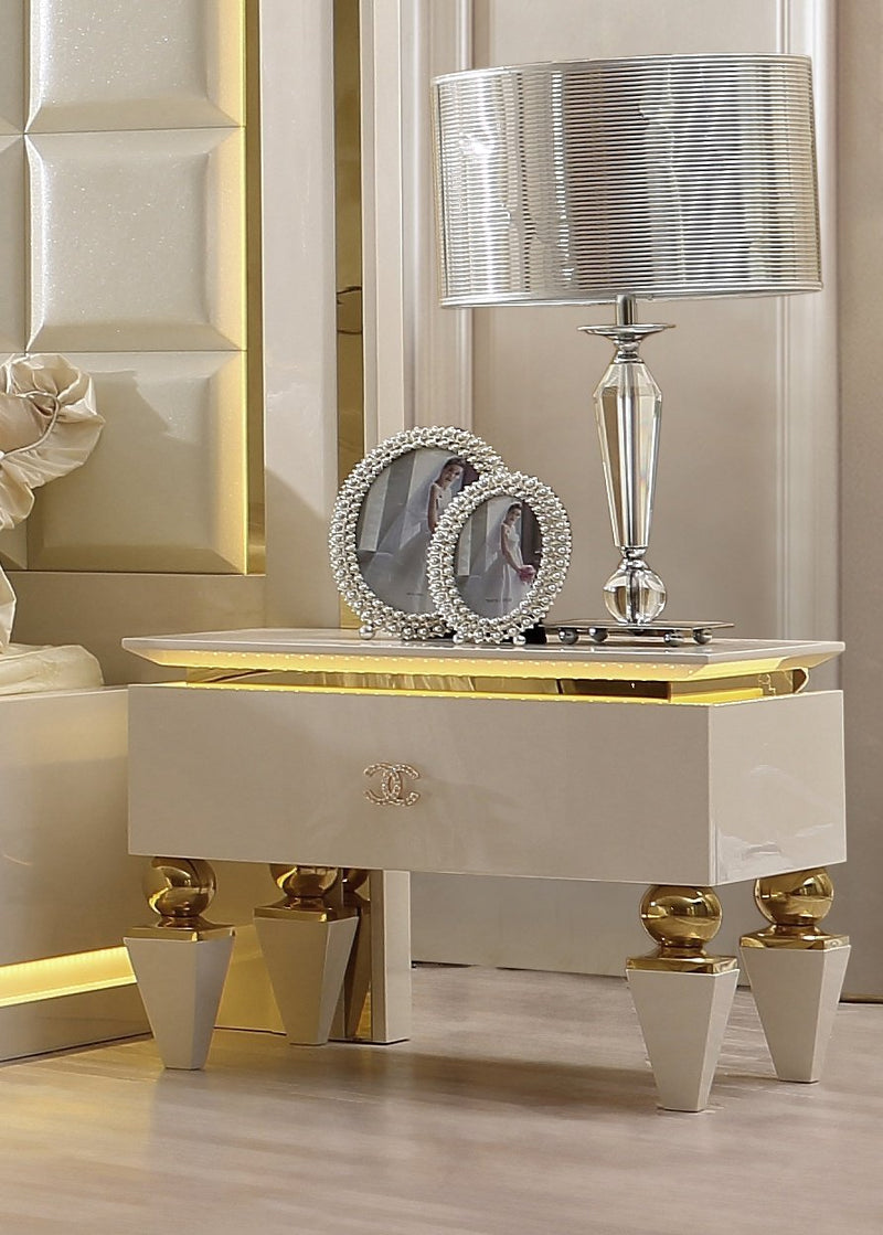 Night Stand in White Gloss Finish N9935 European Traditional Victorian