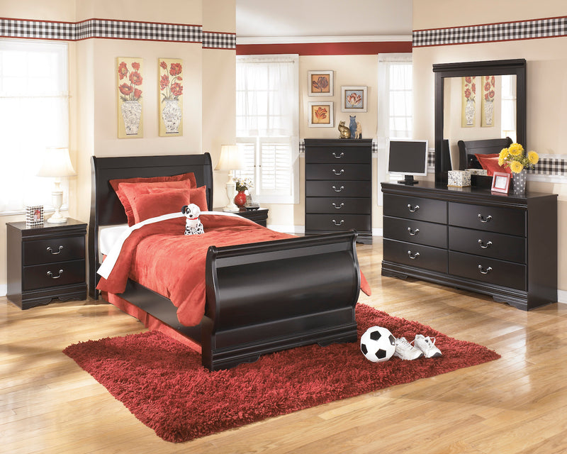 Ashley Huey Vineyard 5PC Twin Sleigh Bedroom Set with two Nightstands In Black