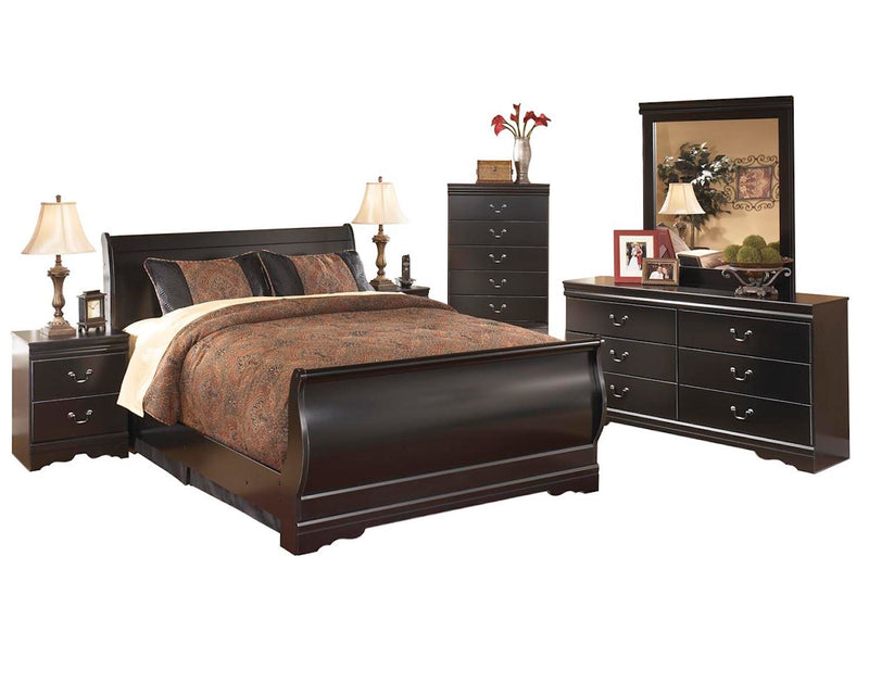 Ashley Huey Vineyard 6PC E King Sleigh Bedroom Set With Two Nightstand & Chest In Black