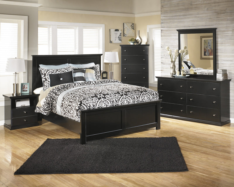 Ashley Maribel 5 PC E King Panel Bedroom Set with Chest in Black