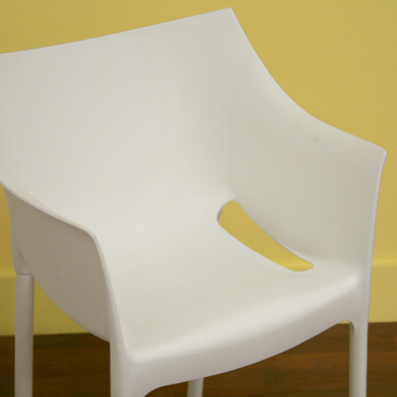 Modern 4 Dining Chairs in White Molded Plastic