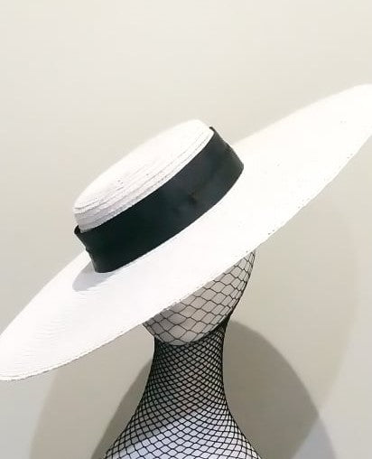 White large flat brim boater hat with black ribbon Designer fascinators racing fashion