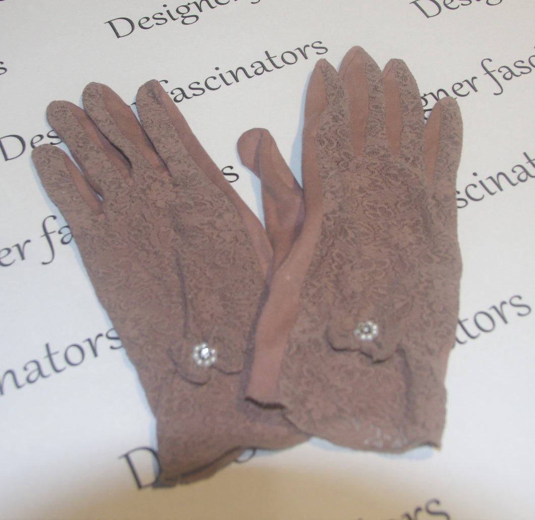 True vintage small mocha brown gloves so elegant Racing fashion  accessories Free postage -  gloves ONLY