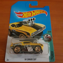 2017 Hot Wheels Treasure Hunt – '69 Camaro Z28 + 6 Protector Packs - Protector Pack
