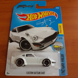 2017 Hot Wheels – Custom Datsun 240Z + 6 Protector Packs - Protector Pack