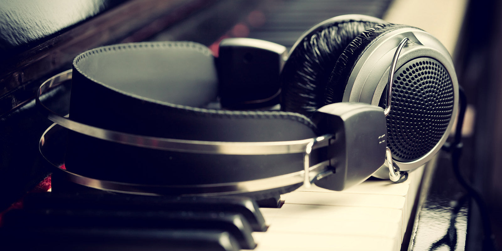 The types of headset used for music and voice files