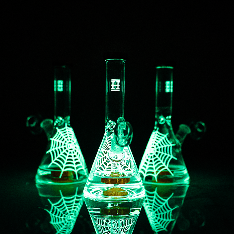 Glow in the Dark - Spider Venom Dab Rig