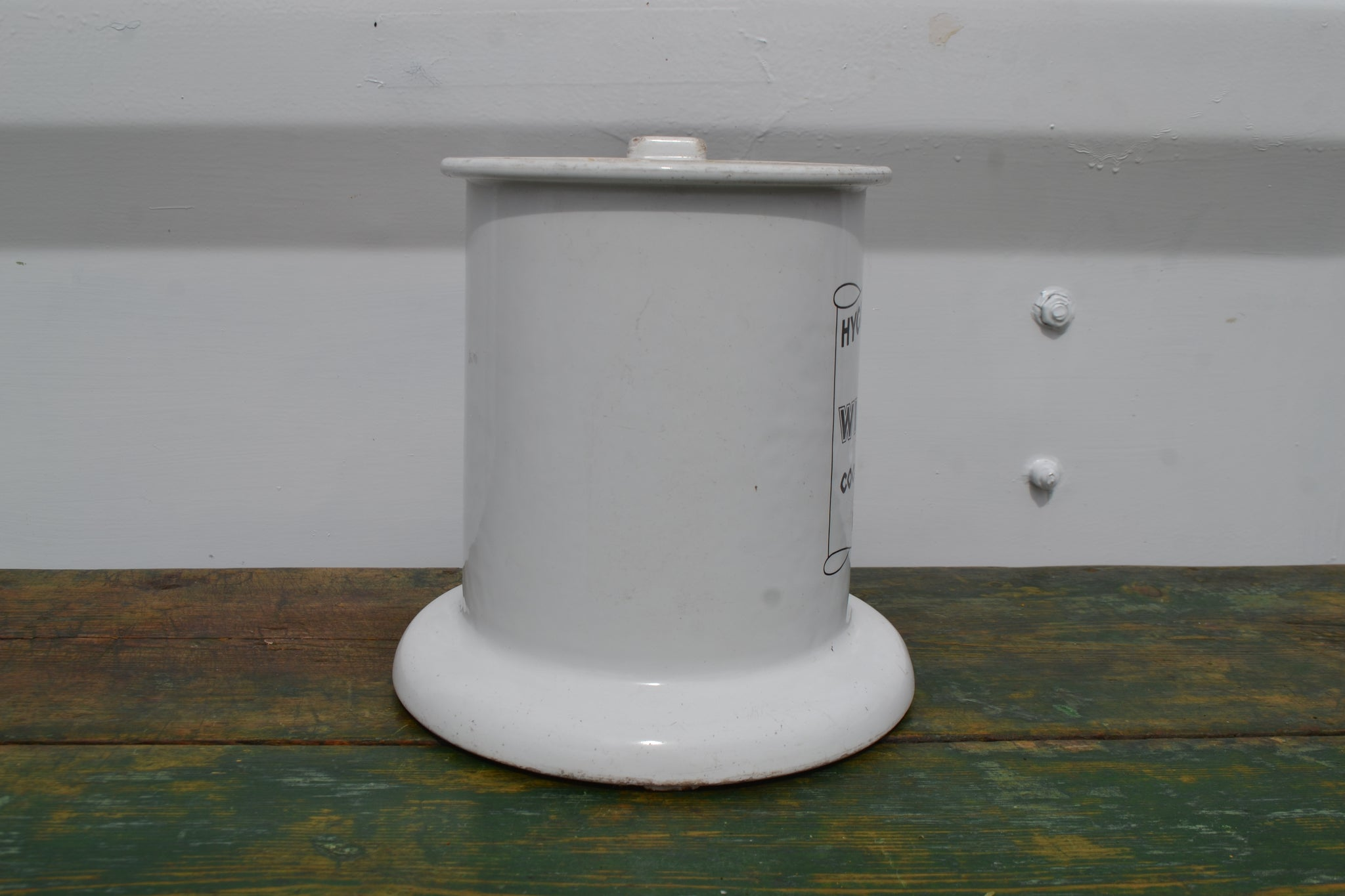 An enamel hygienic slicer for Wilson's cooked meats