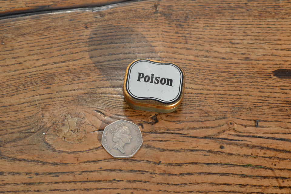 An Edwardian pocket poison pill tin