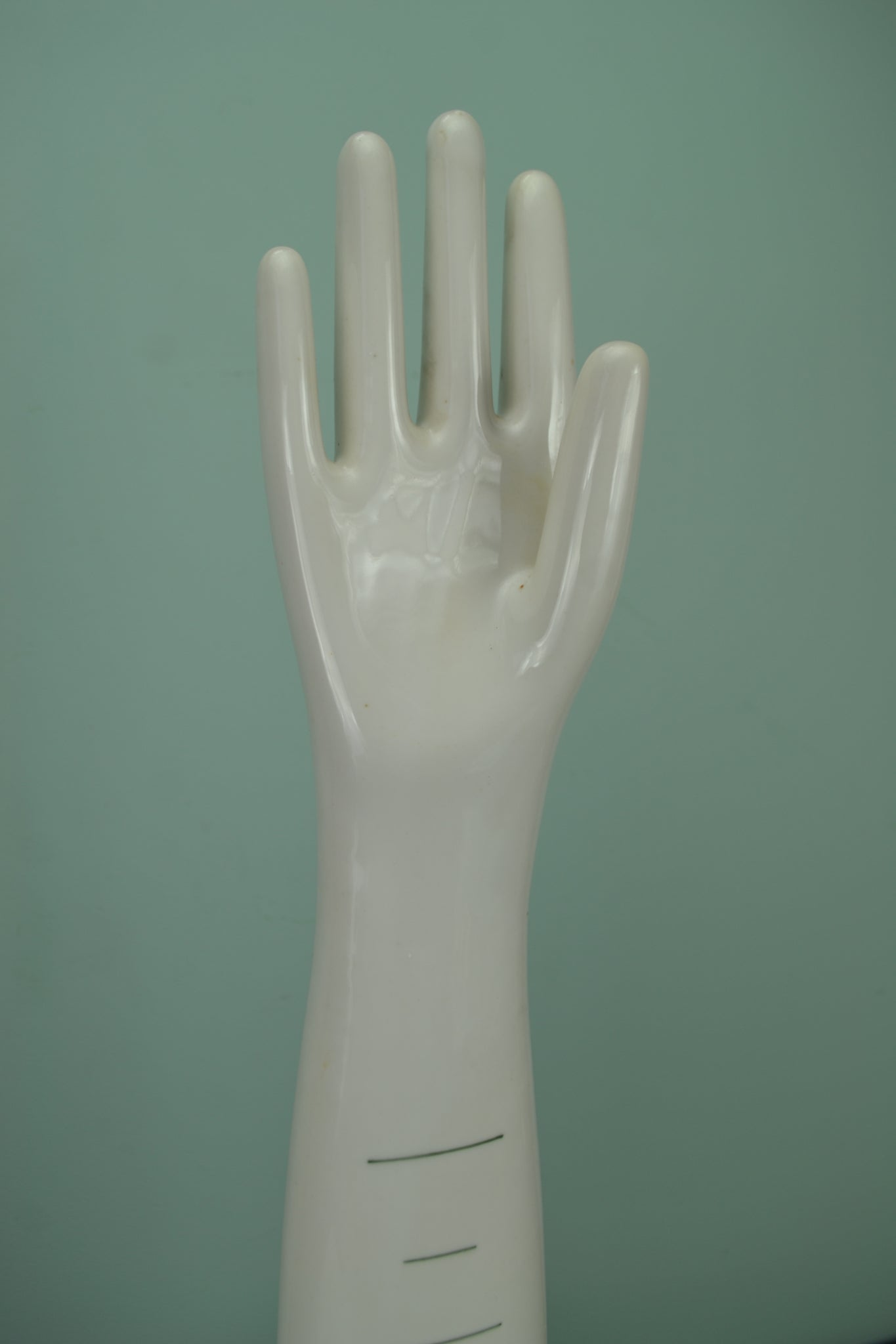 Porcelain glove making form - Oyhenart Vichy
