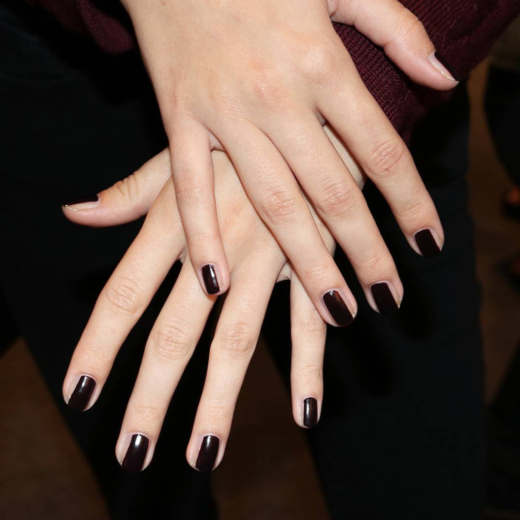 Make Your Nails Appear Longer With This Nail Contouring Trend