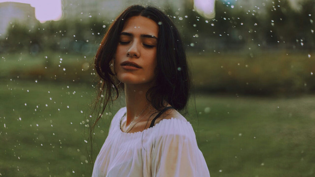 Top Monsoon Skincare Tips & DIYs
