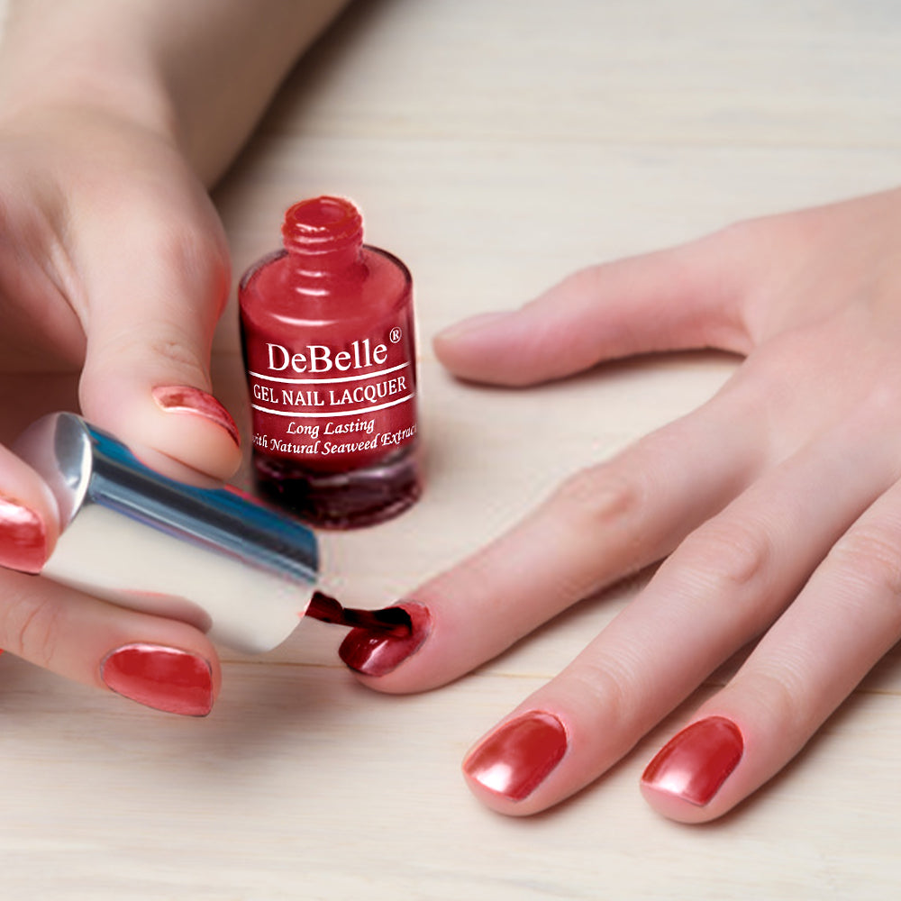 DeBelle Gel Nail Lacquer Scarlet Ruby
