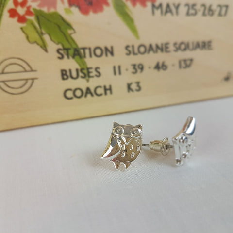 'Wisdom begins in Wonder' Silver Stud Owl Earrings