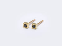 63bd square stud earrings