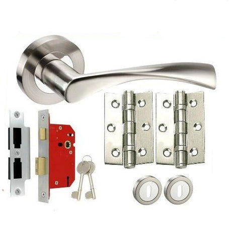 Twist Chrome/Satin Chrome - Lock - Door Handles On Rose Pack
