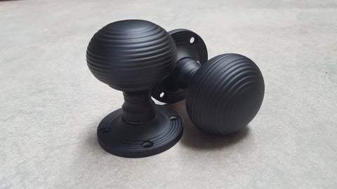 MATT BLACK REEDED BEEHIVE DESIGN MORTICE DOOR KNOBS - MORE4DOORS