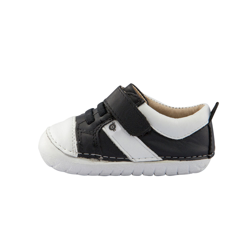 Ground Pave Sneaker Black