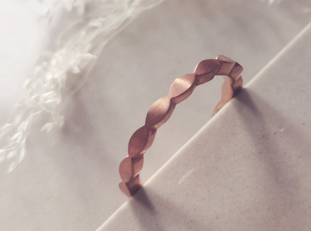 Ellipsen Ring in Roségold