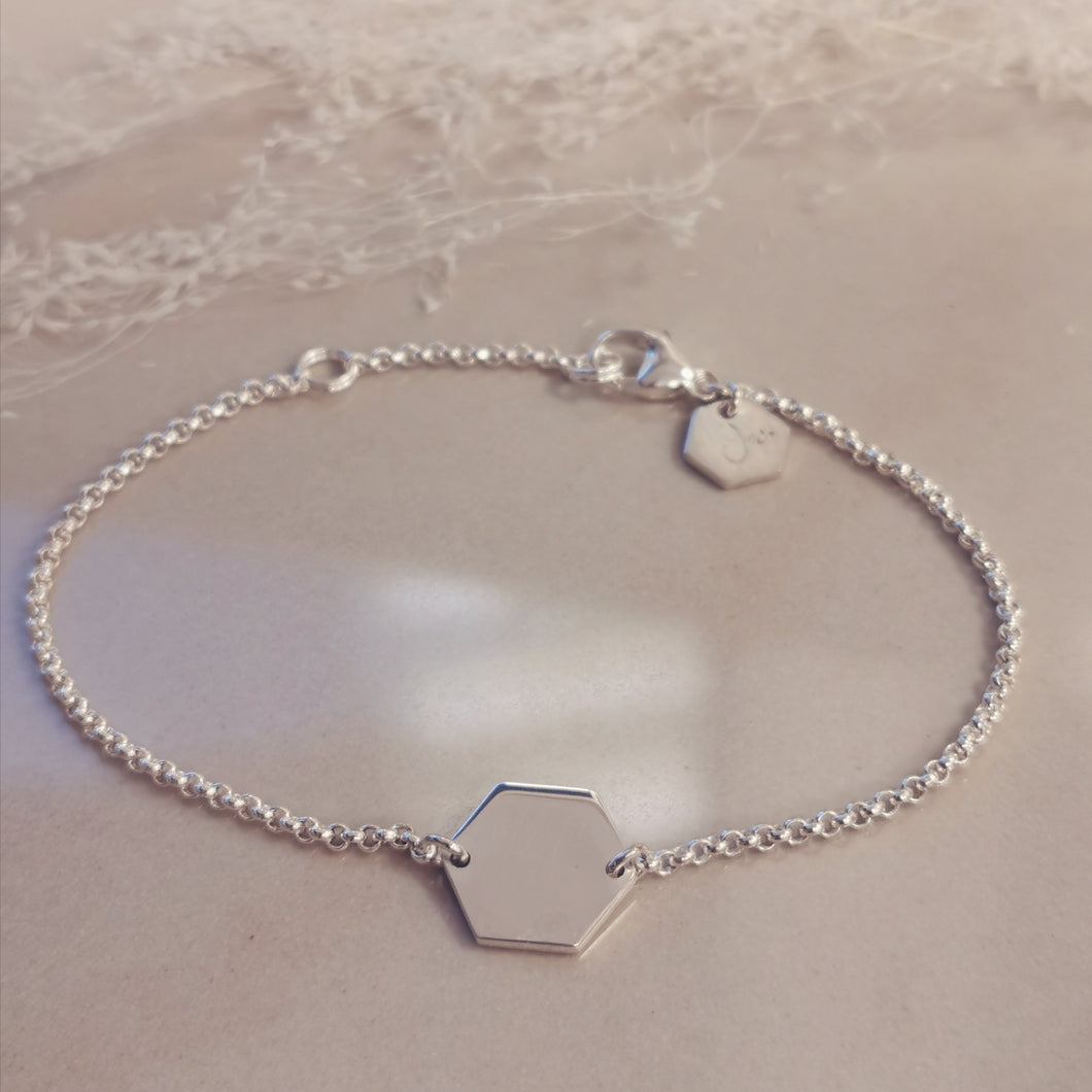 Initial Edge Sechseck Armband in Silber personalisierbar
