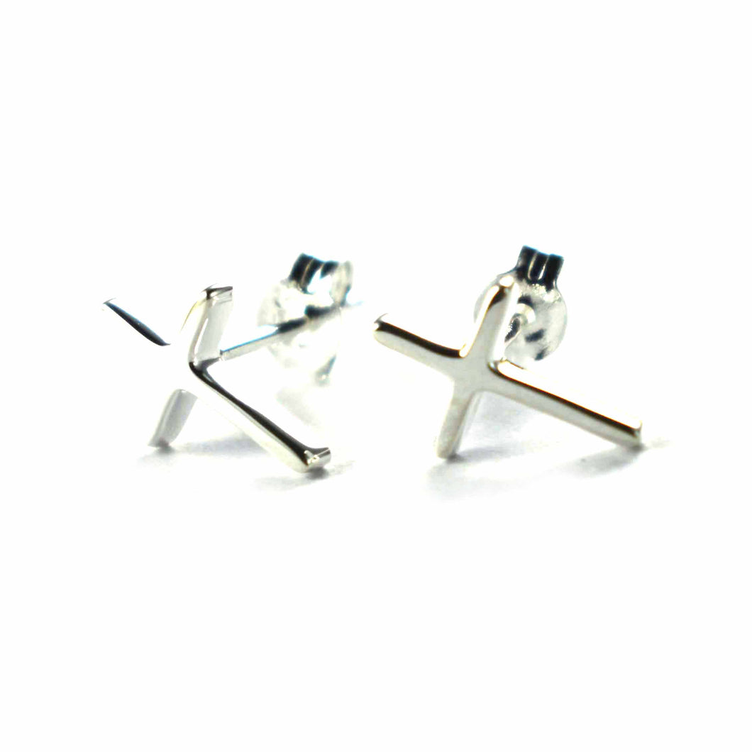 Cross stud earring with platinum plating