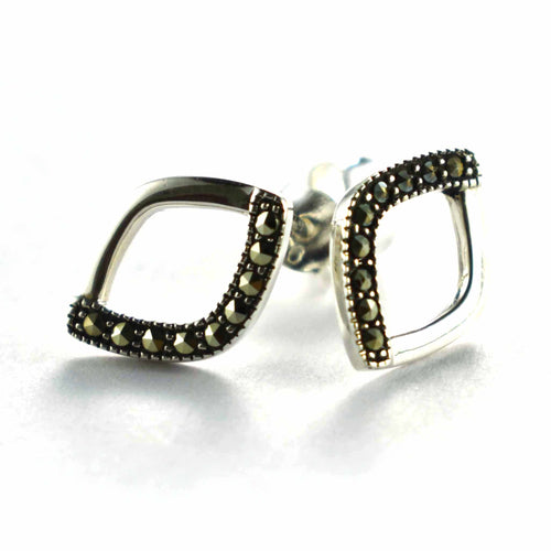 Diamond shape silver earring with marcasite