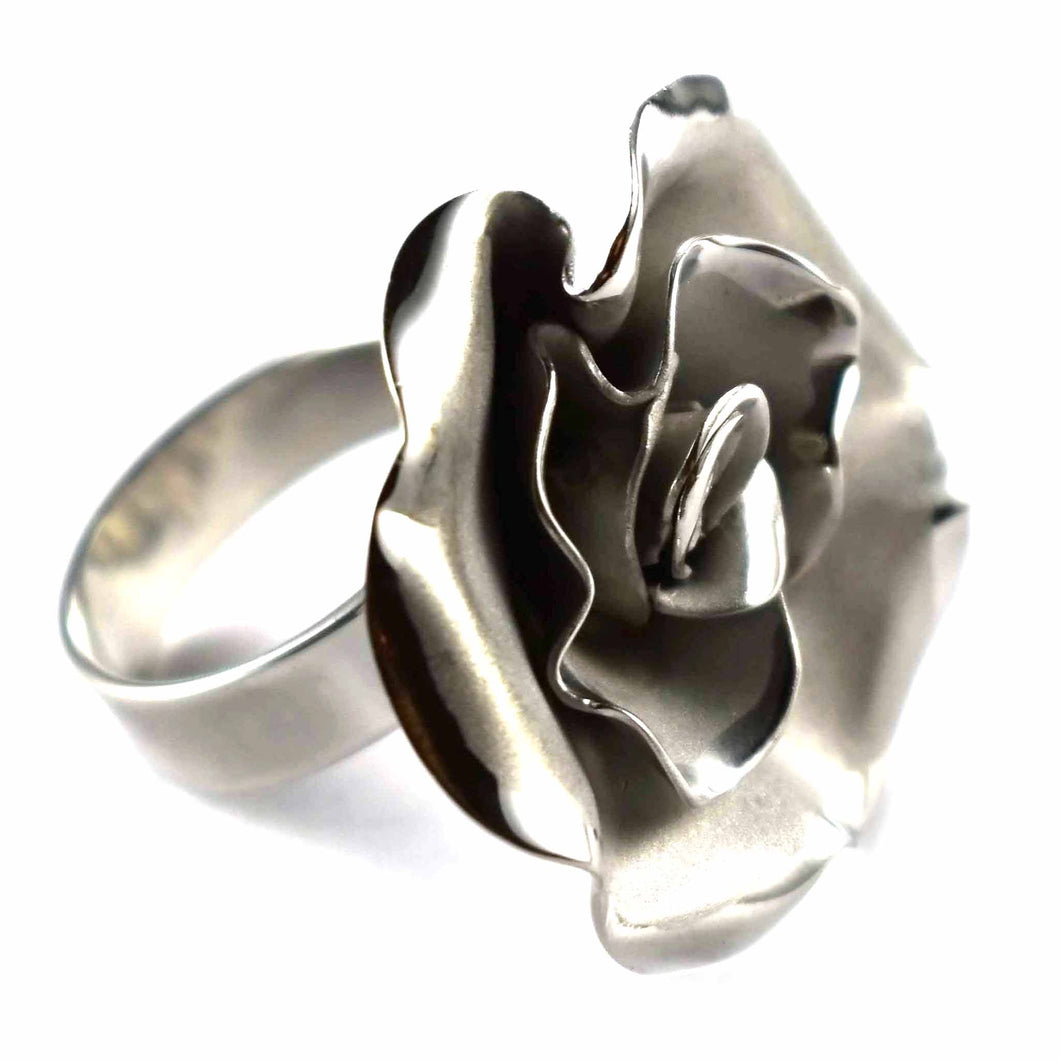 Flower silver ring with platinum plating