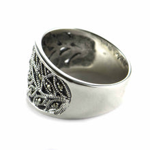 Leave & lace pattern silver ring with marcasite