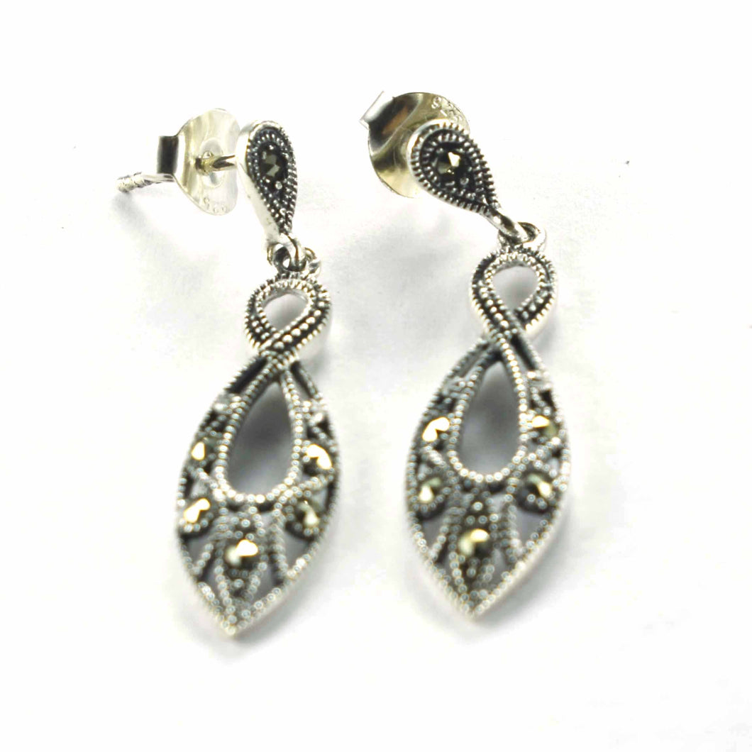 Olive pattern studs silver earring with marcasite